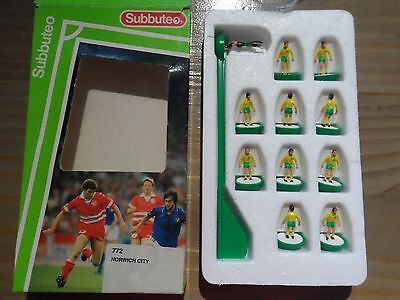 Norwich City - Subbuteo football team - number 772