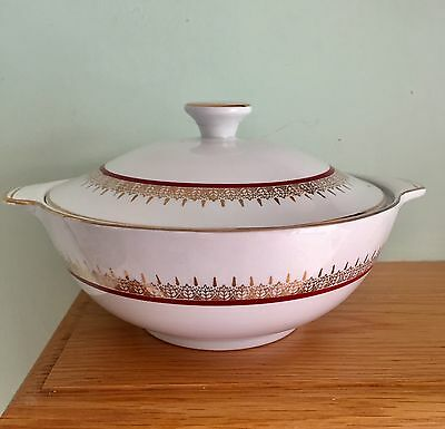"""Lovely Vintage Alfred Meakin """"Montcalm"""" England Vegetable Dish With A Lid"""