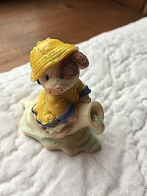 """1997 """"when It Rains It Pours"""" Enesco Mary's Moo Moo Figures--Without A Box"""