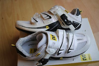 Mavic Giova BRAND NEW Cycling Road Shoes Size UK 4 RRP £100 3 Bolt Cleat