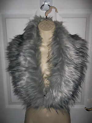Gorgeous New Look Grey Faux Fur Scarf/collar/stole Bnwt