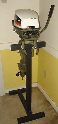 Heavy duty outboard motor stand
