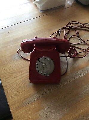 Vintage/Retro Red Rotary Dial Home Telephone - GPO746