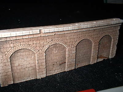 Z scale/ Z scale stone arched  wall x 4- white unpainted for you to colour