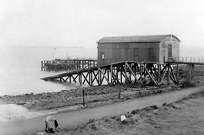 ScenicPic:- old RNLI station at South Gare (Redcar/River Tees)
