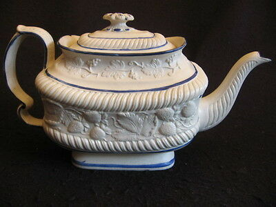 RARE LEEDS POTTERY PEARLWARE 'STRAWBERRY' PATTERN TEAPOT c.1820 Lt A/F