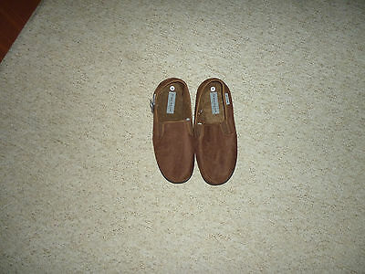 Dunlop Men's Brown Slippers Size Adult 9 New With Tags