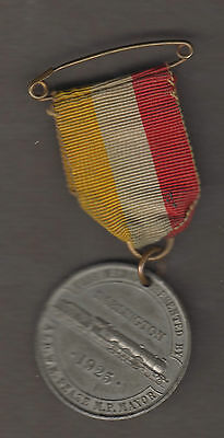 DARLINGTON 1925 CENTENARY RAILWAY MEDAL PRESENTED BY MAYOR 33mm