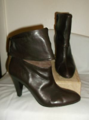 Arturo Chiang~ Brown Leather Ankle Boots~ 9.5 M