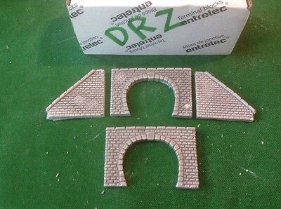 2 X Twin Track Z Scale Tunnel Portals And 2 Side Walls