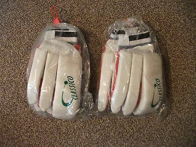 4 x Pairs of Classico Boys Cricket Practise/match Gloves right-handed.