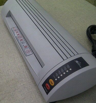 "ROYAL SOVEREIGN 12"" Business Document Laminator"