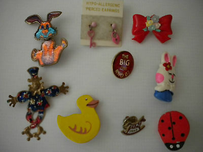 8 Assorted Badges & Pins With Pairof Pink Lock & Key Earrings