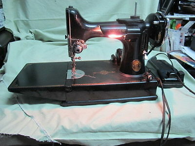 Vintage  Singer 221 Featherweight Sewing Machine With Case And Accessories