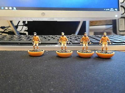 Subbuteo Hw Team 49  Wolves 4 X Spare Players