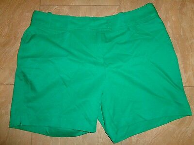 Tail White Label Golf Shorts Size 14 Green ~ NWOT