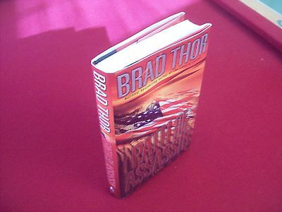 Path of the Assassin by Brad Thor (2003) 1st Printing Hardcover Novel
