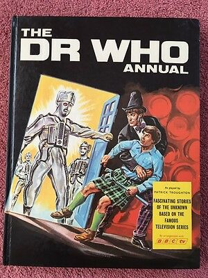 Dr Who 1968 Annual - Vintage & Excellent Condition