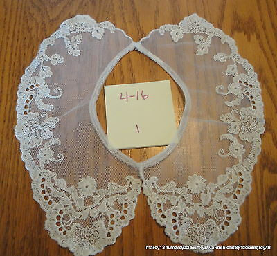 Sweet Vintage Ecru Split Pierced Lace Collar Hook & Eye  Closure