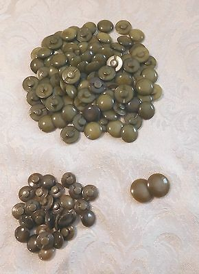 VINTAGE LOT of 128 MATCHING ROUND BAKELITE BUTTONS GREEN