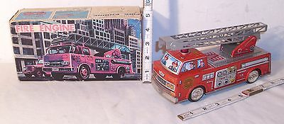 LADDER FIRE ENGINE TRUCK TIN BATTERY OPERATED TOY 1960s WORKS SH JAPAN BOXED