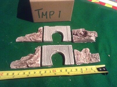 2x single Brick Style Tunnels And 4 Rock Face Side Walls Z Scale, Painted Set
