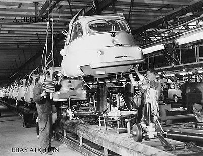 BMW 600 & BMW 700 production and final assembly – BMW factory 1959 - photograph