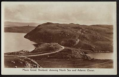 ORIGINAL REAL PHOTO POSTCARD MAVIS GRIND SHETLAND ISLANDS SCOTLAND c1920