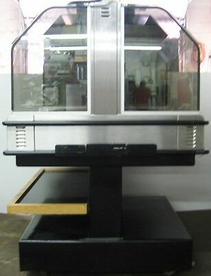 Henny Penny Merchandiser hot food heated serving display case w tiered base