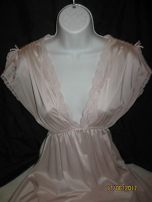 Lovely Vintage Miss Elaine 100% Nylon Nightgown - Soft Lilac - Long - Sz S