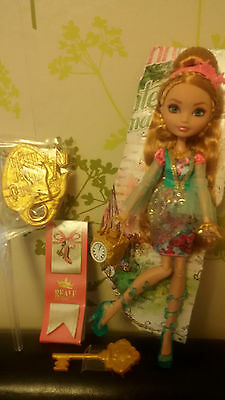 *Ever After High Ashlynn Ella Daughter Of Cinderella & Stand*New Without Box*