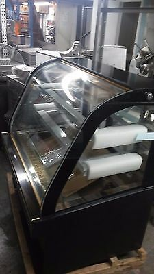 New 4' Foot Curved Glass European Style Refrigerated Bakery Case Merchandiser