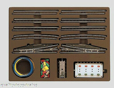 8191 Marklin Z-scale Extension Set with Electric Turnouts SET E