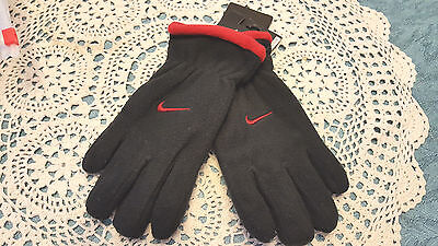 NWT  Nike Boy's Gloves  Youth  One Size 8-20 NEW  Black /Red