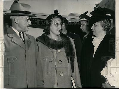 1947 Press Photo President & Mrs Harry Truman & Daughter Margaret in Kansas City