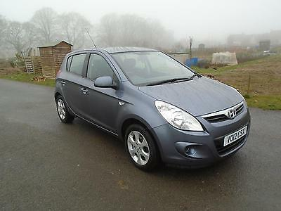 2012 12 Hyundai i20 1.2 Comfort 5 DOOR METALLIC GREY LOW MILES