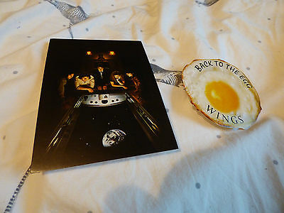 PAUL McCARTNEY & WINGS - VERY RARE 'BACK TO THE EGG' PROMO POSTCARD + STICKER