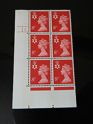 NI24  8p MACHIN N. IRELAND  IN CYL BLOCK OF 6    1 NO DOT  IN MINT CONDITION