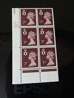 NI22  7p MACHIN N. IRELAND  IN CYL BLOCK OF 6    1  DOT  IN MINT CONDITION