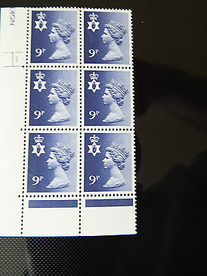 NI26  9p MACHIN N. IRELAND  IN CYL BLOCK OF 6    1   DOT  IN MINT CONDITION