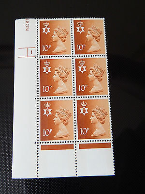 NI27 10p 2B MACHIN N. IRELAND  IN CYL BLOCK OF 6    1 NO  DOT  IN MINT CONDITION