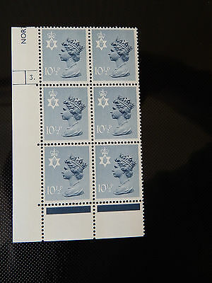 NI29  10.5p MACHIN  N.IRELAND  IN CYL BLOCK OF 6   3 DOT  IN MINT CONDITION