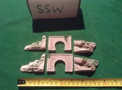 2x single Brick Style Tunnels And 4 Rock Face Side Walls Z Scale, With Foliage