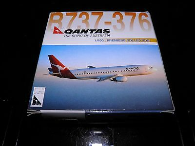 Dragon wings die cast aircraft. Boeing 737 Qantas Airways