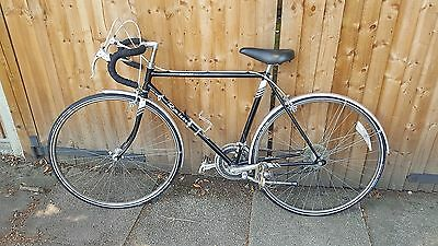 1980's VINTAGE HAND-MADE FRAME RALEIGH ROUTIER BICYCLE IN FANTASTIC CONDITION!