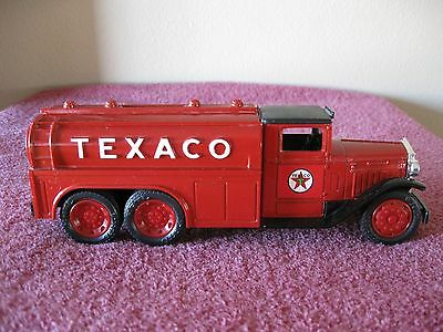 1990 Ertl Texaco 1930 Diamond T 2 1/2 Ton Tanker Coin Bank No Box