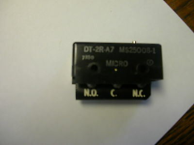 Honeywell Micro Switch Dt-2R-A7 Pin Plunger Snap Action Limit Switch