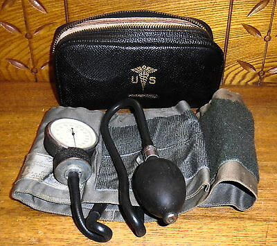 Vintage Tycos Adult Sphygmomanometer Blood Pressure Cuff w/ Leather Case