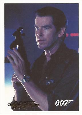 James Bond Archives 2014 - 076 Tomorrow Never Dies Gold Parallel Card #078/125