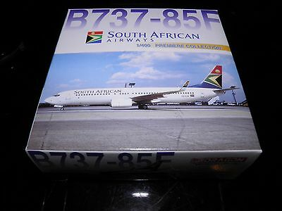Dragon wings die cast aircraft. Boeing 737 South African Airways